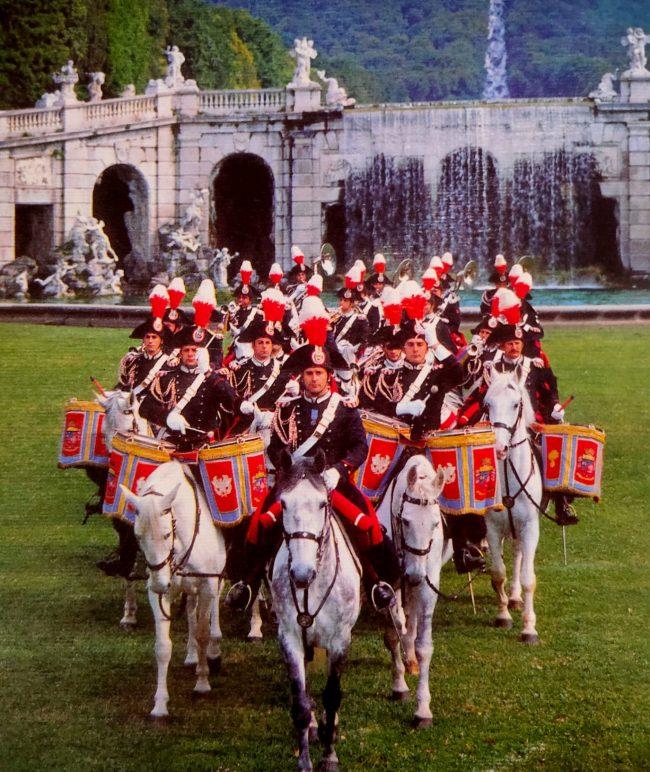 Fanfara del Reggimento Carabinieri a Cavallo. Caserta, Parco Reale - 1998.